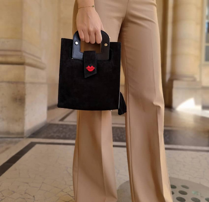 Black suede leather bag ARTISTE, red mouth embroidery, view 2   Gloria Balensi