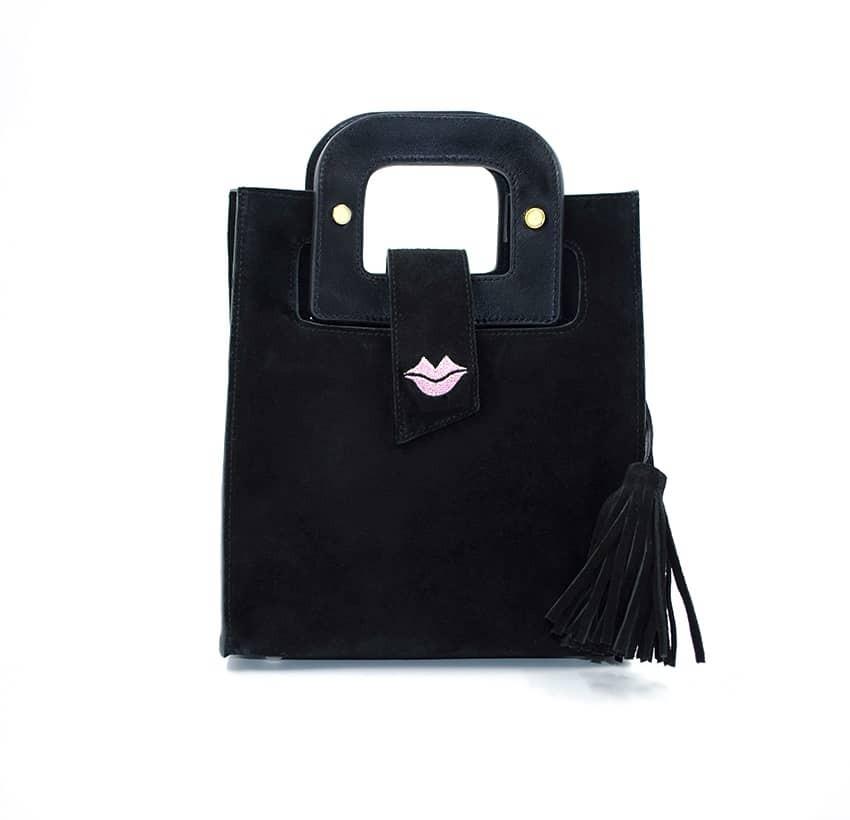 Sac à main femme velours noir ARTISTE, anses noir avec broderie rose, pièces métalliques dorées, vue de face | Gloria Balensi