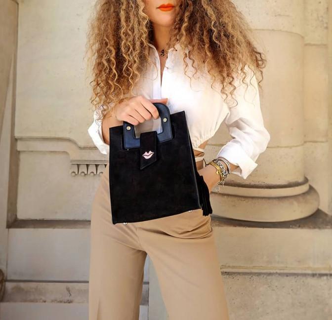 Sac à main femme velours noir ARTISTE, anses noir avec broderie rose, vue de face | Gloria Balensi