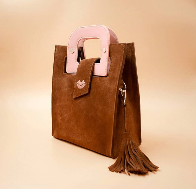 Camel beige suede leather bag ARTISTE, pink handle and mouth embroidery , view 3  | Gloria Balensi