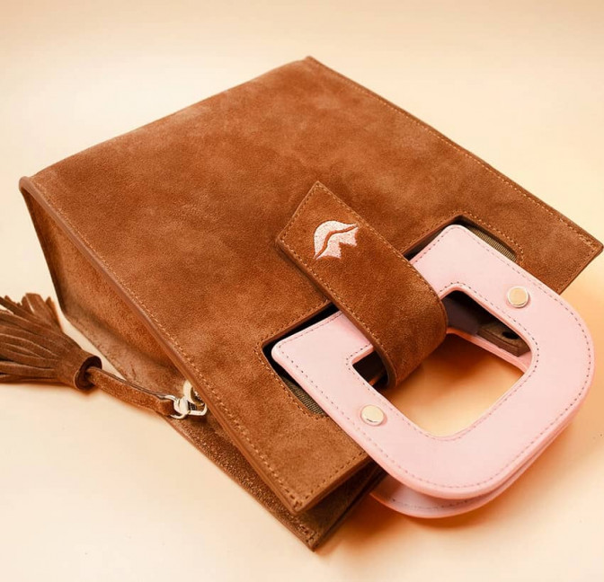 Camel beige suede leather bag ARTISTE, pink handle and mouth embroidery , view 4  | Gloria Balensi