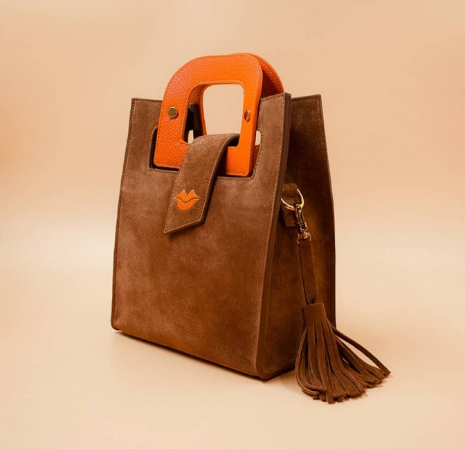 Camel beige suede leather bag ARTISTE, orange handle and mouth embroidery , view 3    Gloria Balensi
