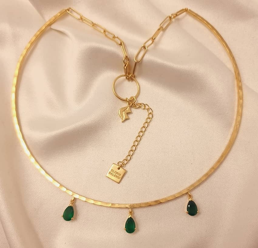 NAYA torque necklace with green onyx, front view 2 | Gloria Balensi