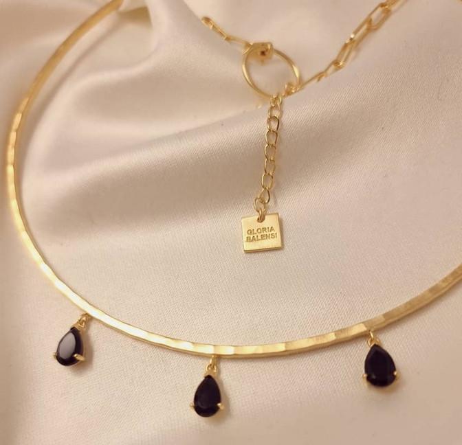 NAYA torque necklace with black onyx, view zoom on stone 2 | Gloria Balensi