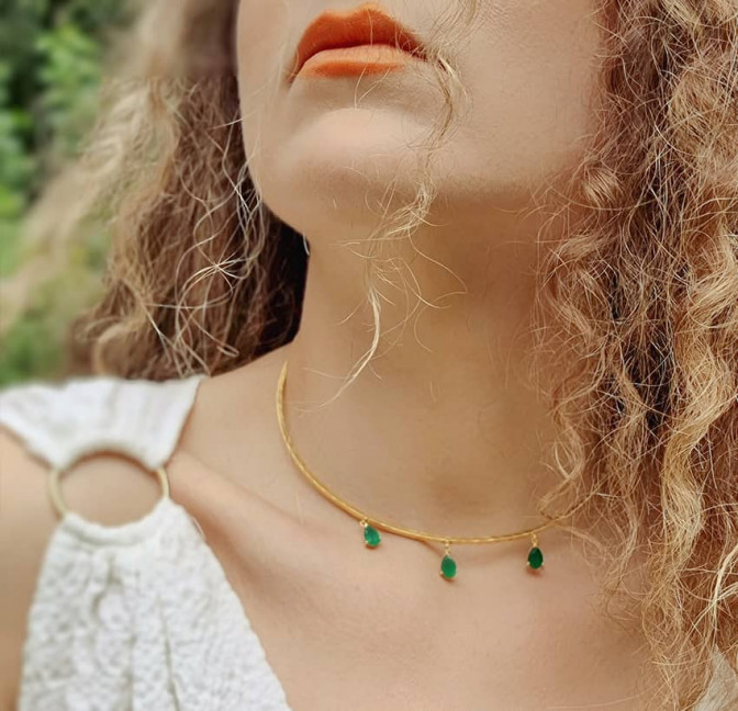 NAYA torque necklace with green onyx, front view 3  | Gloria Balensi