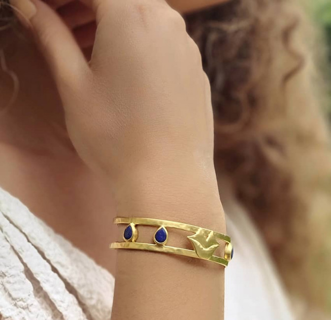 Gold-plated bracelet OLYMPE with Lapis lazuli, front view 4 | Gloria Balensi