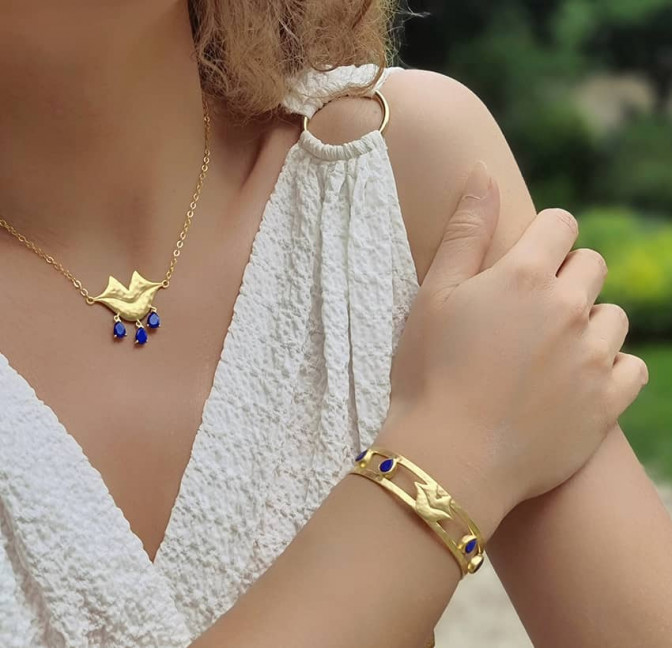 Collier chaîne VENUS avec Lapis lazuli vue portée 2 | Gloria Balensi