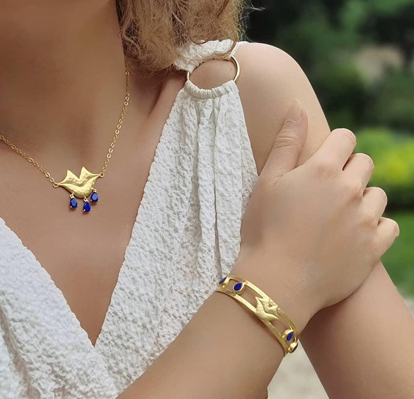 VENUS chain necklace with Lapis lazuli, front view 3   Gloria Balensi