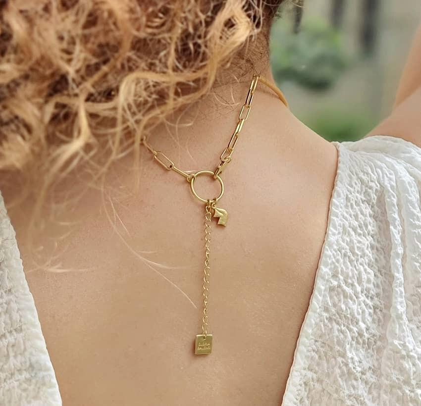 NAYA torque necklace with black onyx, back view | Gloria Balensi
