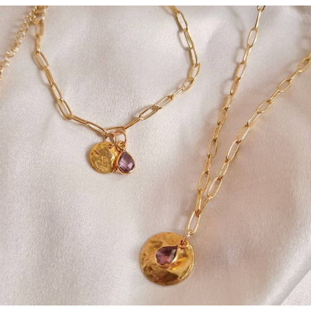 Gold-plated MAYA chain necklace, pendant and Amethyst, lifestyle view | Gloria Balensi
