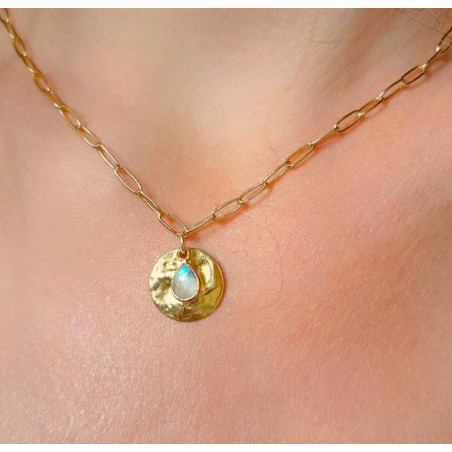 Gold-plated MAYA chain necklace, pendant and moonstone, front view | Gloria Balensi