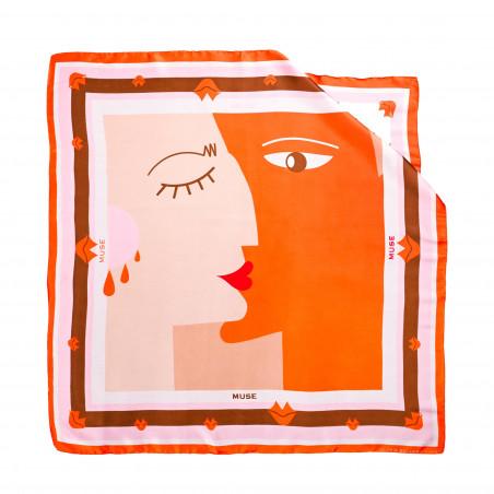 "Carré de soie ""BISOU"" orange, vue n°1| Gloria Balensi"