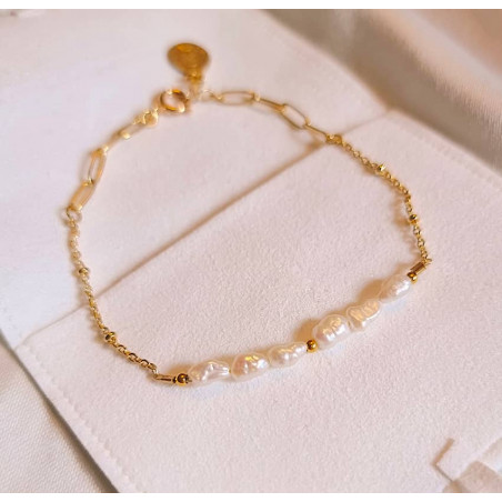 Gold-plated chain bracelet with irregular pearls, view 1  | Gloria Balensi