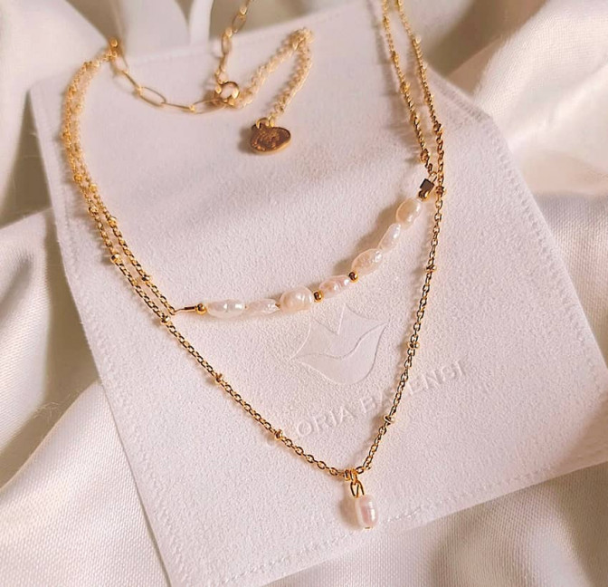 Gold-plated chain necklace with irregular pearls, view 1| Gloria Balensi