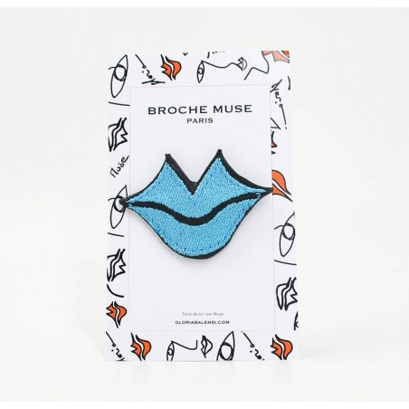 Woman's MUSE brooch embroidered in sky blue GLORIA BALENSI on calf leather, front view