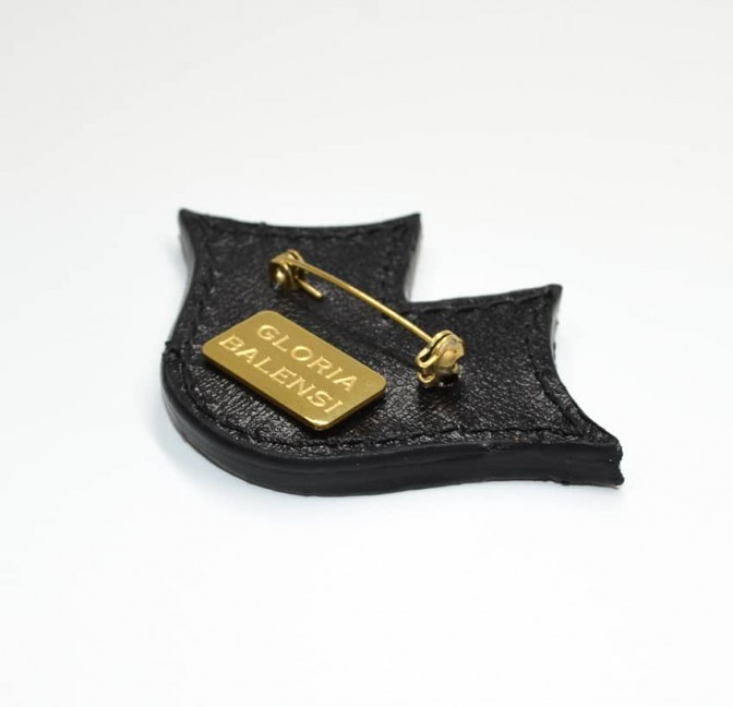 Woman's MUSE GLORIA BALENSI brooch in calf leather, back view
