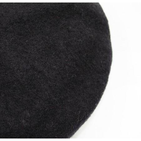 Béret en laine noir avec broderie bouche or, vue dessus | Gloria Balensi