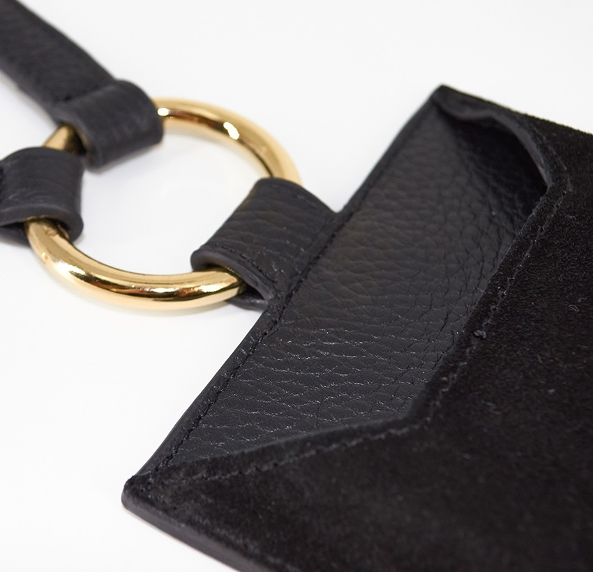 Pochette téléphone noir cuir daim, broderie bouche rose TÉLI, vue 8 | Gloria Balensi