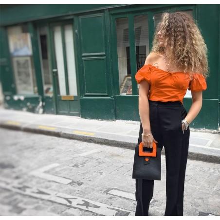 Sac à main femme Artiste Orange GLORIA BALENSI en cuir de Taurillon, vue portée.