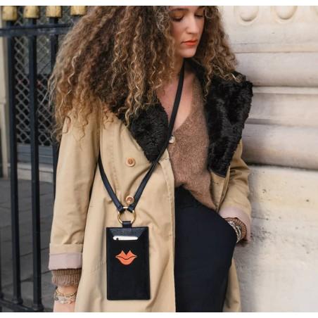 Pochette téléphone noir cuir daim, broderie bouche orange TÉLI, vue 5 | Gloria Balensi