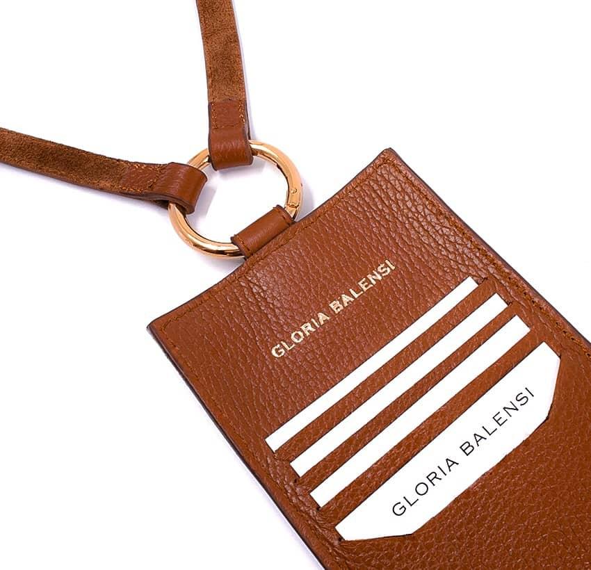 Camel TÉLI phone pouch, back view 2| Gloria Balensi