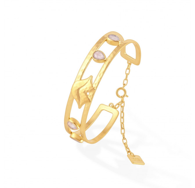 OLYMPE hammered bangle with chain clasp and pink quartz, side view | Gloria Balensi