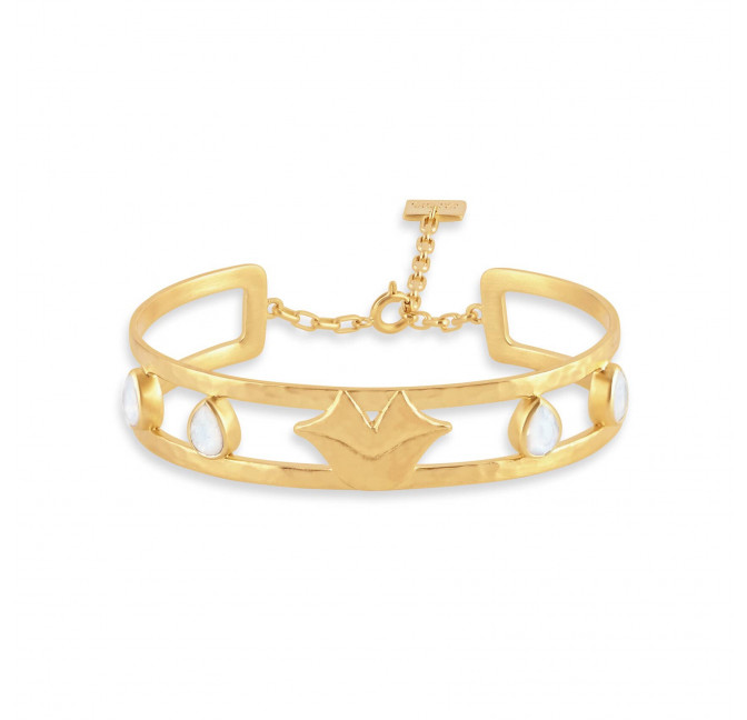 OLYMPE hammered bangle with chain clasp and moon stone, front view | Gloria Balensi