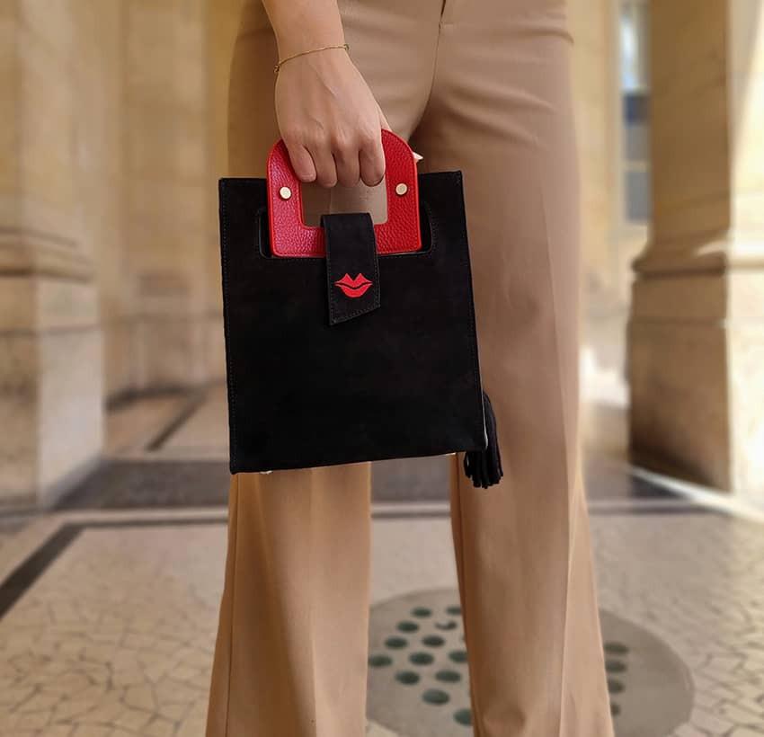 Sac en cuir noir velours ARTISTE, broderie bouche et anses rouge, vue 2  Gloria Balensi
